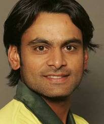 Mohammad Hafeez driving