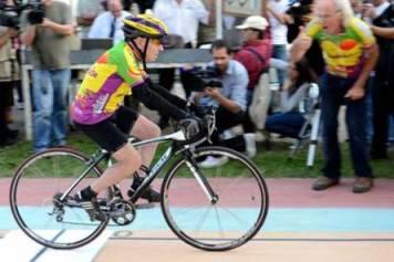 100 year old man cycling record